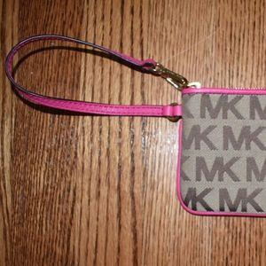 Michael Kors Bags - Michael Kors Wristlet - NEW